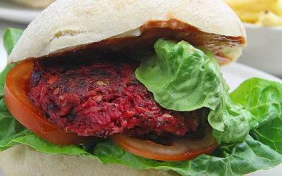 Recipe: Super Beetroot Veggie Burgers