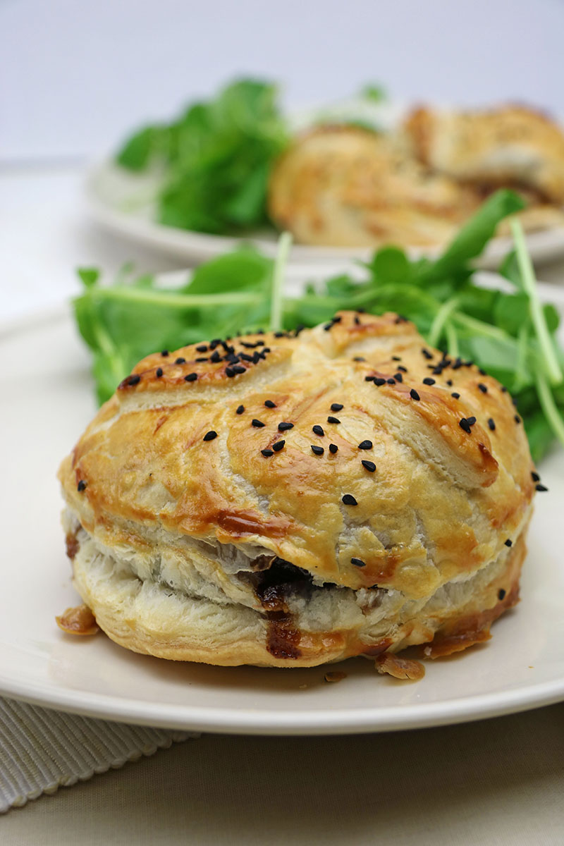 Goats' Cheese & Onion Marmalade Parcels Recipe 1